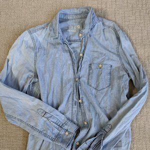 Gap Chambray Button Up Shirt